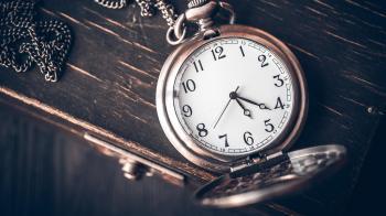 На этой неделе украинцы переведут стрелки часов
