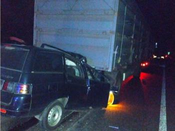 Під Черкасами легковик влетів у вантажівку, двоє загиблих