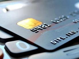 Зарплаты и пенсии на банковских карточках украинцев могут арестовать: в НБУ назвали причины