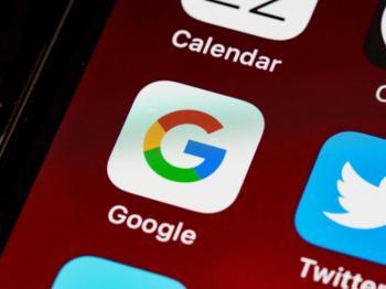 Google відмовилася оновлювати свої додатки на iOS через нові вимоги Apple