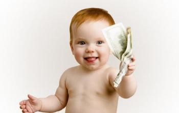 Допомога при народженні дитини зросте до 50 тисяч, але не одразу –— плани урядовців