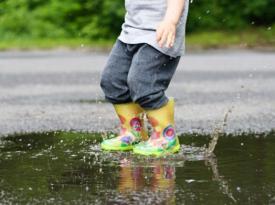 Украину накроет проливными дождями, но будет тепло: прогноз погоды до конца недели