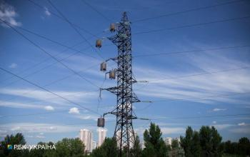 Непогода в Украине: без света остались почти 100 населенных пунктов