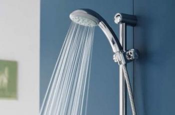 Узнайте, почему принимать душ каждый день вредно для вашего организма
