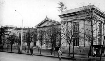 Два палаци: історія будівель черкаської Смілянської від краєзнавця